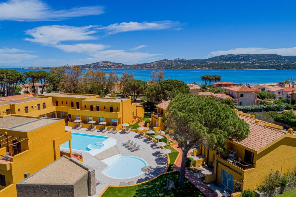 Blu Hotel Laconia Village 4*